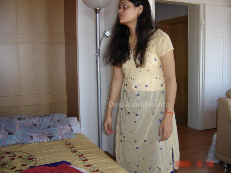 Hot-Indian-Aunties-Bedroom-Photos-6 | New Songs